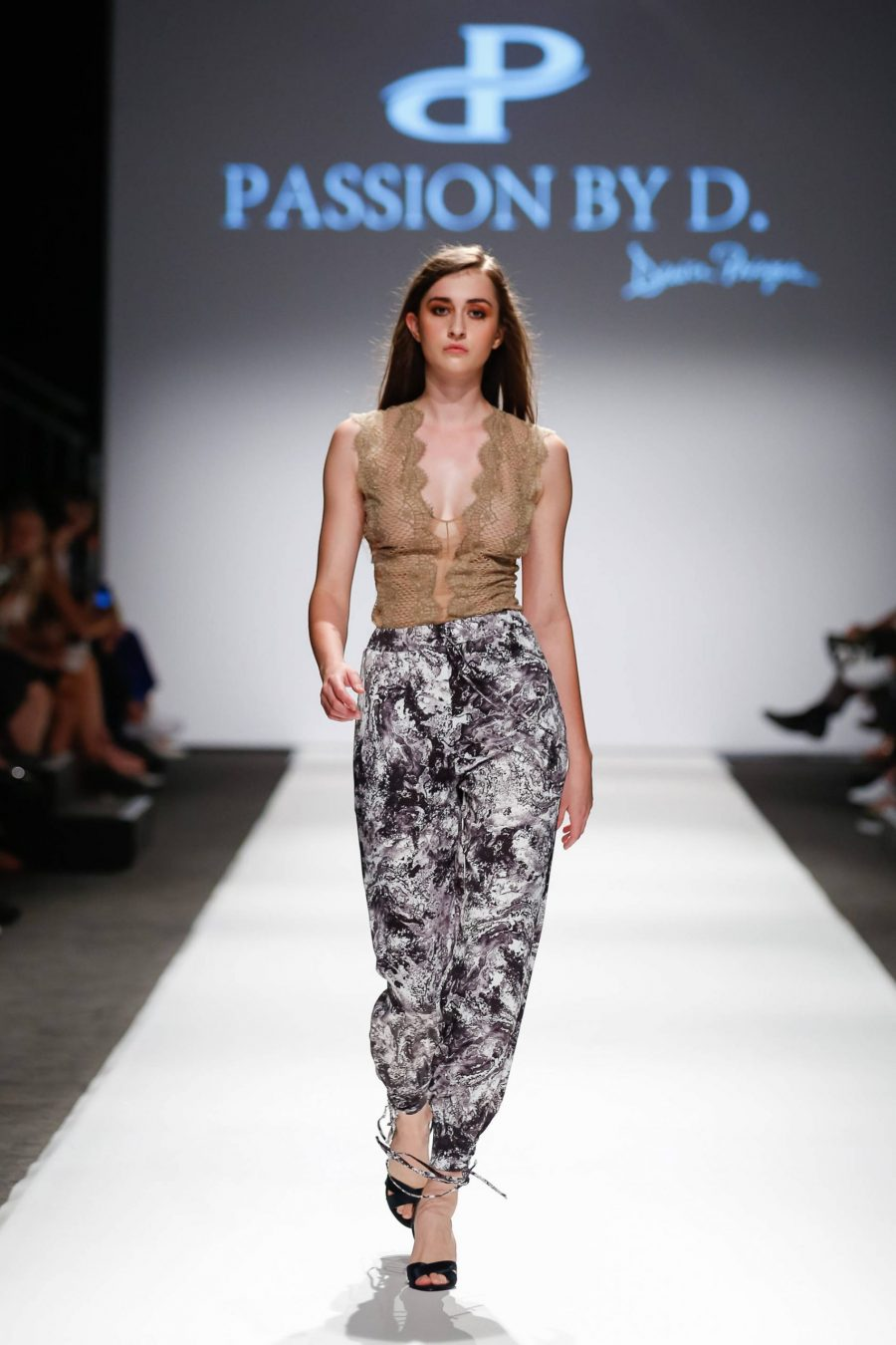 Lace top, Fashion Show Vienna Fashion week 2019 - Passion by D